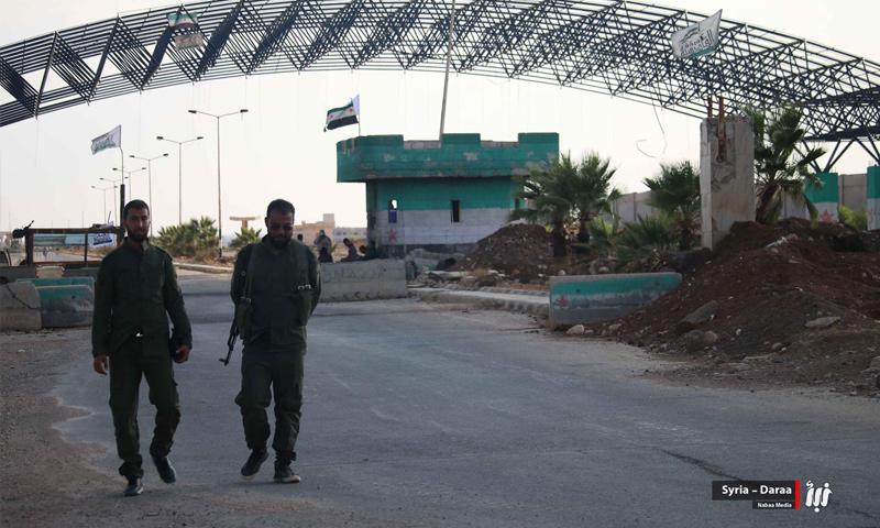 عناصر من الجيش الحر في معبر نصيب الحدودي مع الأردن - تشرين الأول 2018 (نبأ)