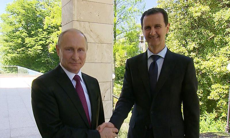 رئيس النظام السوري بشار الأسد والرئيس الروسي فلاديمير بوتين في سوتشي- 17 أيار 2018 (سانا)