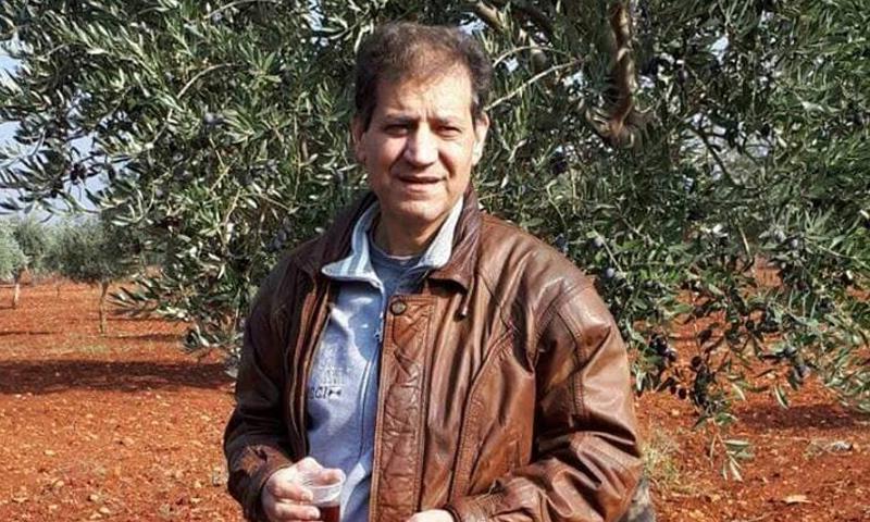 الطبيب محمود مطلق - (فيس بوك)