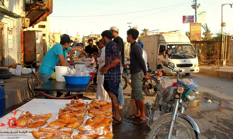 أسواق الرقة في رمضان- 31 أيار 2018 (الرقة تبح بصمت فيس بوك)