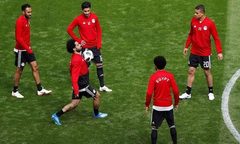 محمد صلاح في التدريبات مع المنتخب المصري (رويترز)