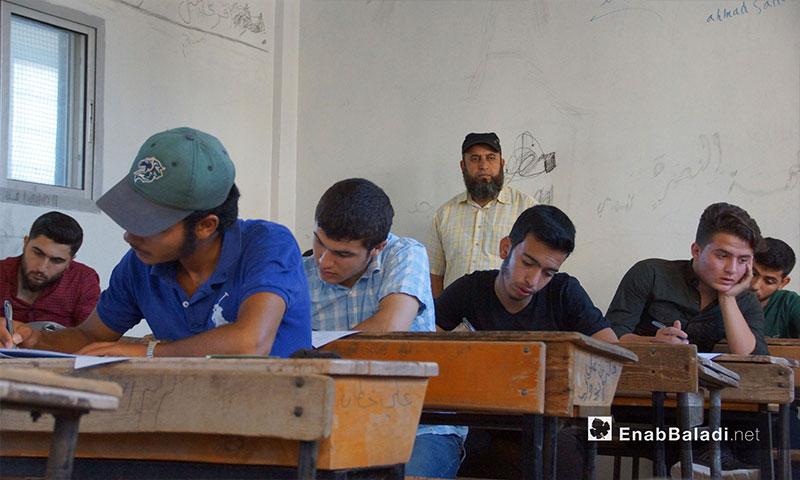 امتحانات شهادتي الإعدادية والثانوية في مدارس تربية حماة الحرة في ريف حماة - 19 حزيران 2018 (عنب بلدي)