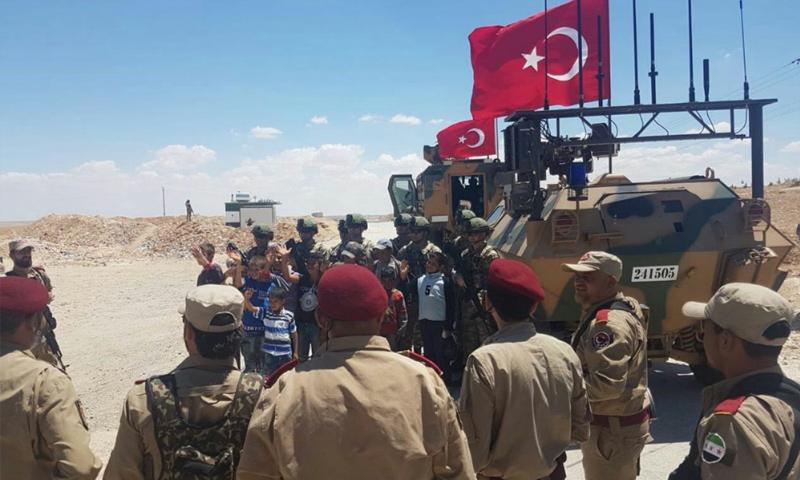 دورية تركية على طول خط الساجور في منبج - 18 من حزيران 2018 (فيس بوك)