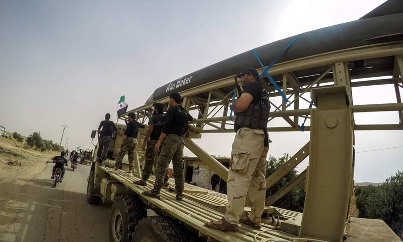 عرض عسكري لفوج الهندسة والصواريخ في محافظة درعا - 7 حزيران 2018 (الناشط أبو مسلم - درعا)