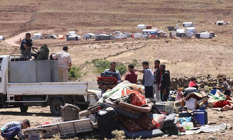 نزوح المدنيين من قرى ومدن ريف درعا الشرقي التي تتعرض للقصف من قبل قوات الأسد- 24 من حزيران 2018 (علاء الفقير)