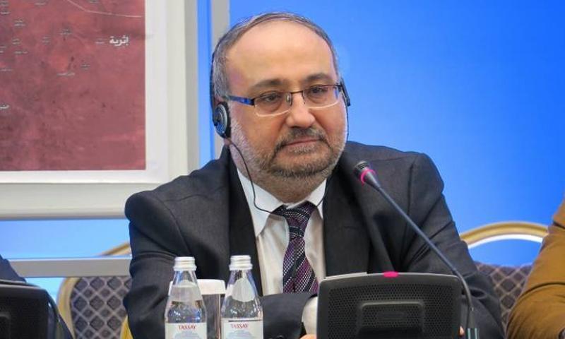 رئيس وفد أستانة أحمد طعمة (AFP)