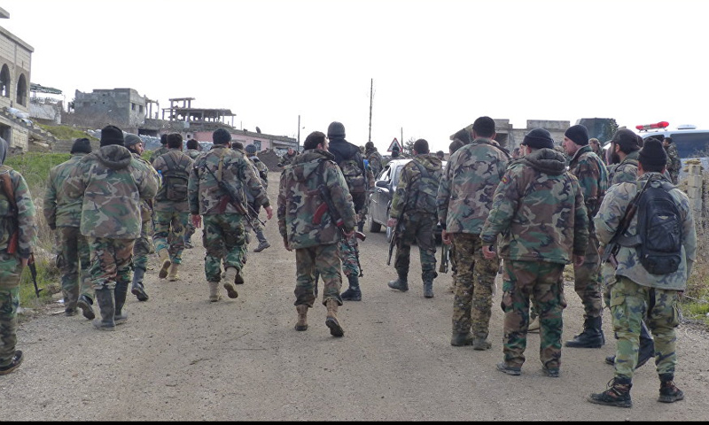 عناصر من قوات الأسد على جبهات ريف درعا الشمالي - (سبوتنيك)