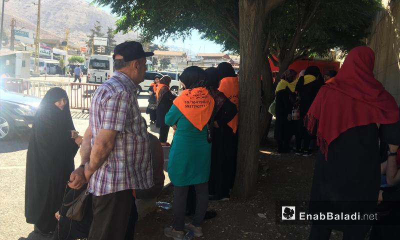 زوار يعبرون إلى السيدة زينب في سوريا من لبنان - 24 من حزيران 2018 (عنب بلدي)