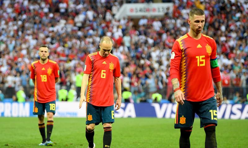 خيبة لاعبي المنتخب الإسباني بعد الخروج من المونديال