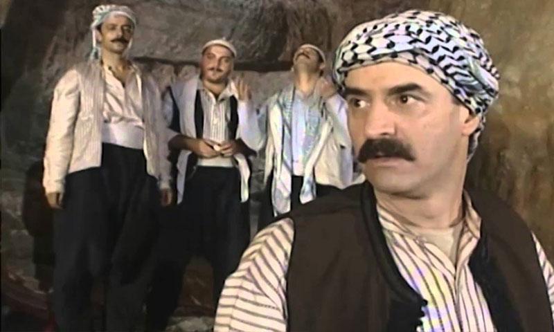 """الممثل بسام كوسا في مسلسل """"الخوالي"""" (يوتيوب)"""