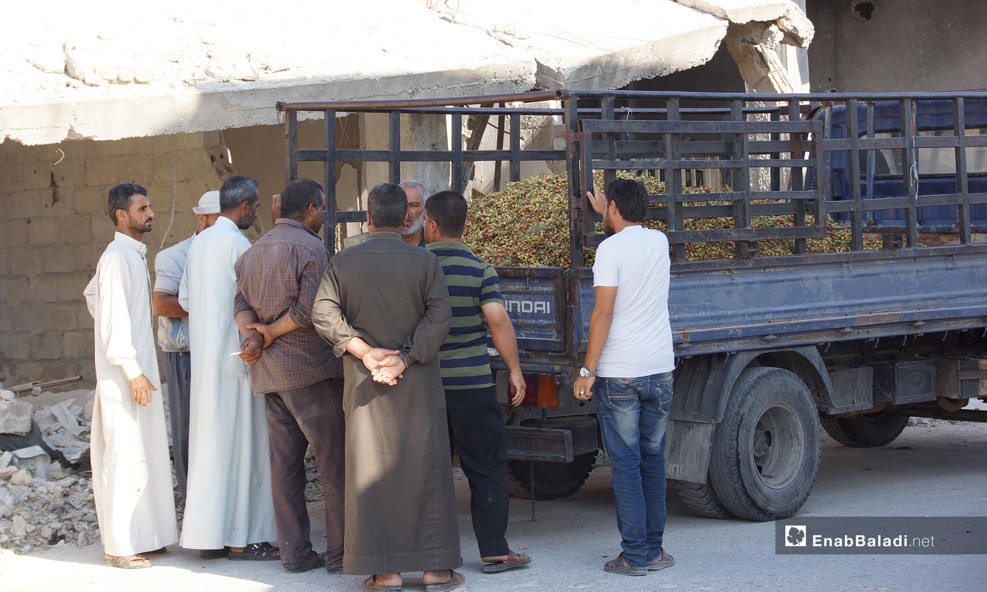 سوق الفستق الحلبي في مدينة مورك بريف حماة – 28 تموز 2018 (عنب بلدي)