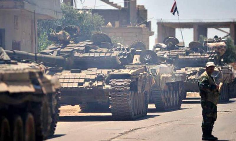 دبابات تتبع لقوات الأسد ضمن التعزيزات التي وصلت إلى محيط درعا - (فيس بوك)