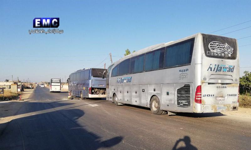 حافلات في طريقها إلى كفريا والفوعة - 18 من تموز 2018 (مركز إدلب الإعلامي)