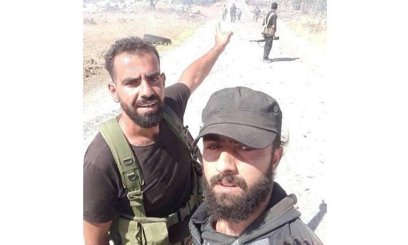 القيادي في جيش الثورة وائل الحافظ في أثناء مشاركته بمعارك حوض اليرموك - (الناشط عمر الحريري)