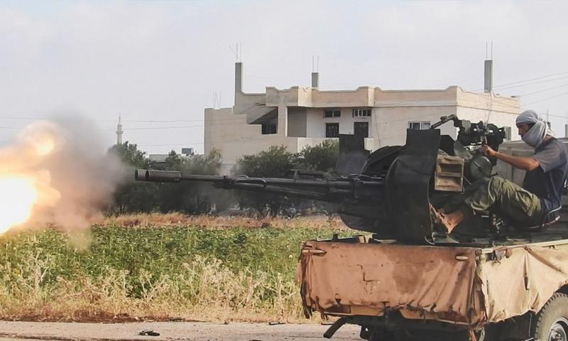 عنصر من تنظيم الدولة خلال معارك السيطرة على حيط بريف درعا - تموز 2018 (أعماق)