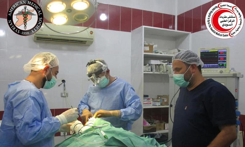 إجراء عملية جراحية في مشفى عقربات بريف إدلب - 30 من تموز 2018 (مشفى عقربات)