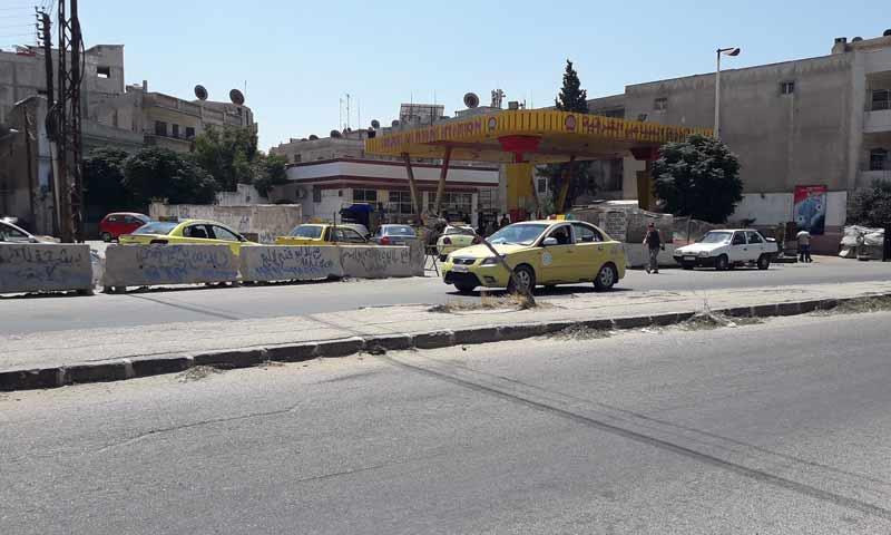 محطة وقود دراق السباعي قرب حي الزهراء في حمص - 25 من آب 2018 (فرع محرقات حمص)