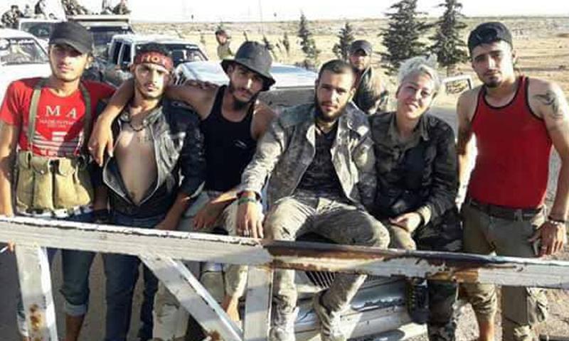 عناصر من فصائل التسوية بدرعا في طريقهم إلى إدلب - 24 من آب 2018 (أبو غياس الشرع)
