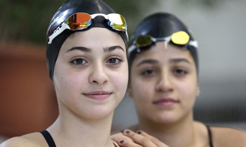 السباحتان السوريتان سارة ويسرى مارديني (DPA)