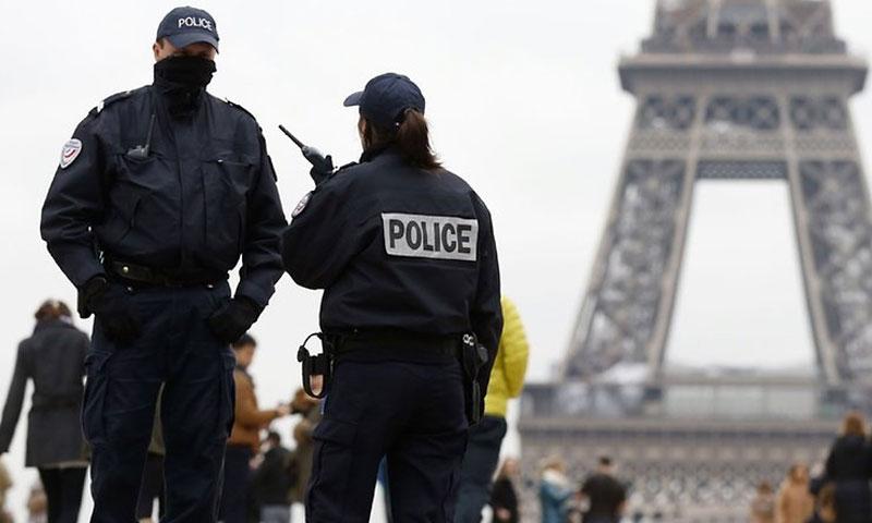 الشرطة الفرنسية في باريس (Berliner Zeitung)