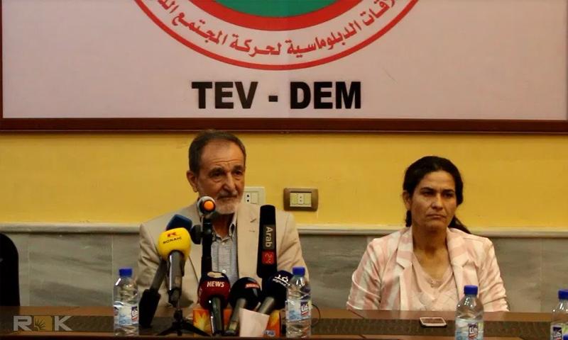 الرئاسة المشتركة لمجلس سوريا الديمقراطية (إلهام أحمد يمين) (رياض درار يسار)