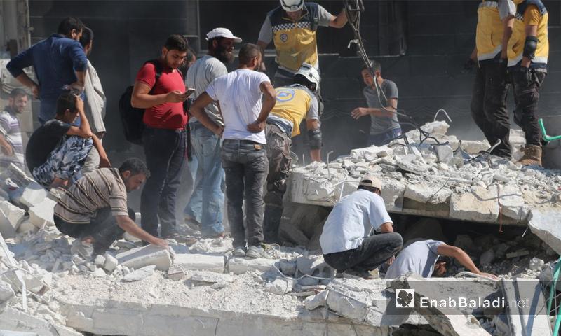 آثار الدمار الذي خلفه انفجار مستودع للذخيرة في سرمدا بريف إدلب - 12 من آب 2018 (عنب بلدي)