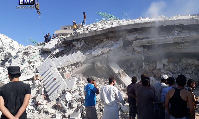 آثار انفجار مستودع الذخيرة في مدينة سرمدا بريف إدلب - 12 من آب 2018 (مركز إدلب الإعلامي)