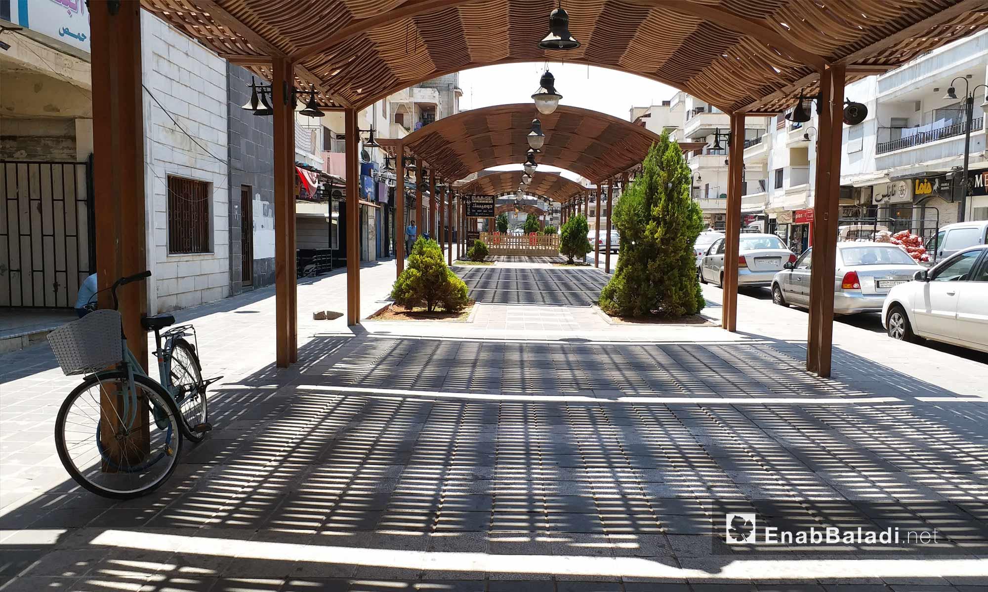 شارع أحمد شوقي في حي الدبلان بمدينة حمص - 19 من آب 2018 (عنب بلدي)