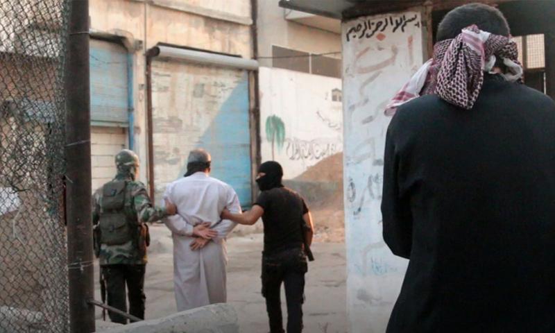 تحرير الشام تعتقل شخصيات متهمة بالتعامل مع النظام السوري في معرة مصرين - 19 من آب 2018 (إباء)
