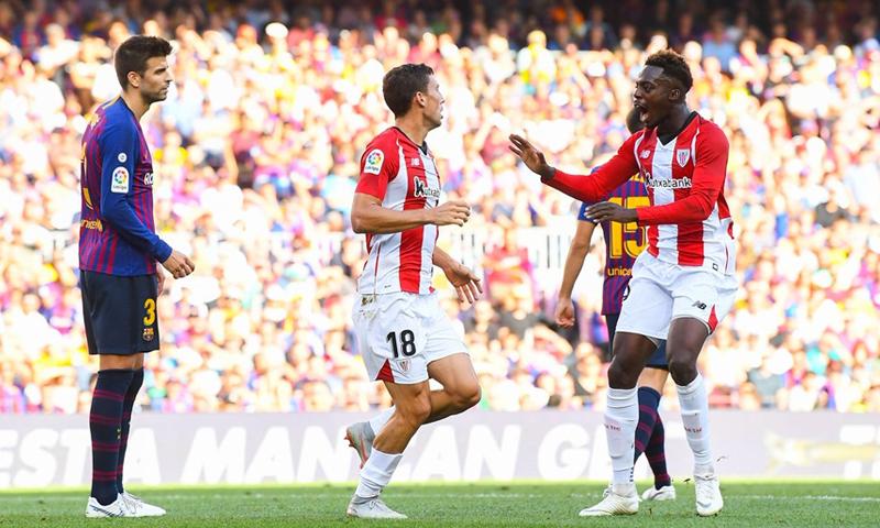 برشلونة في مواجهة أتلتيك بلباو من الجولة السابعة بالدوري الإسباني (AFP)