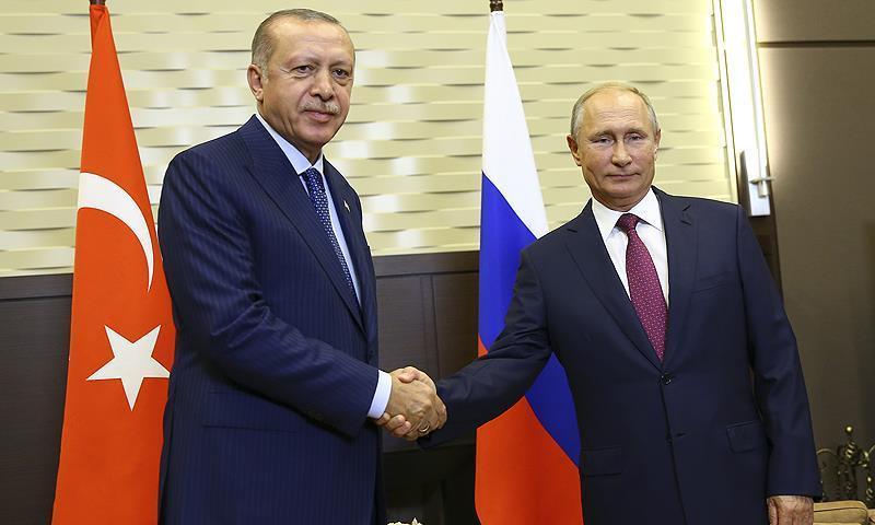 قمة سوتشي بين الرئيسن التركي رجب طيب أردوغان ونظيره الروسي فلاديمير بوتين (الأناضول)