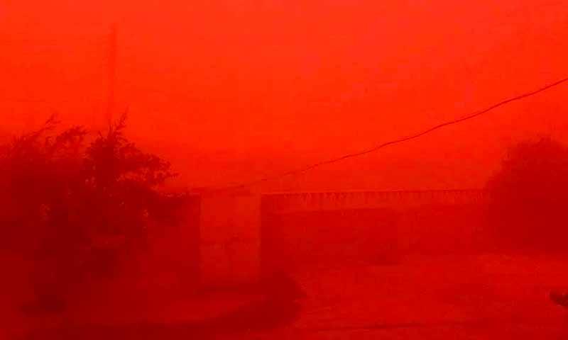 عاصفة غبارية شمال شرقي سوريا - 13 أيلول 2018 (شبكة أخبار الطبقة)