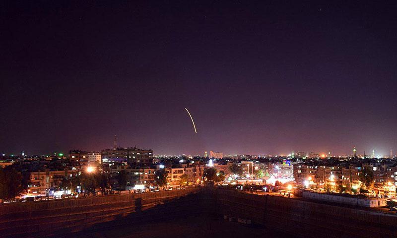 الدفاعات السورية تتصدى لصواريخ اسرائيلية على مطار دمشق الدولي 15 من أيلول 2015 (وكالة سانا)