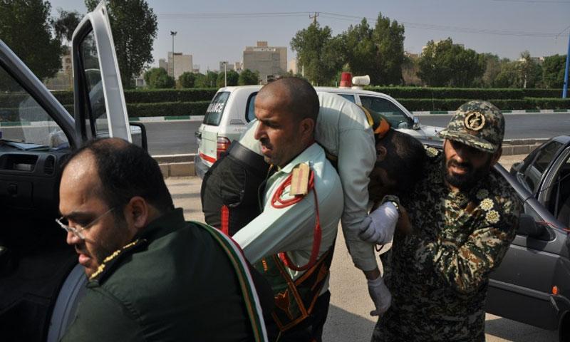 اطلاق نار على عرض عسكري في الاهواز جنوبي ايران 22 أيلول 2018 (وكالة إيسنا)