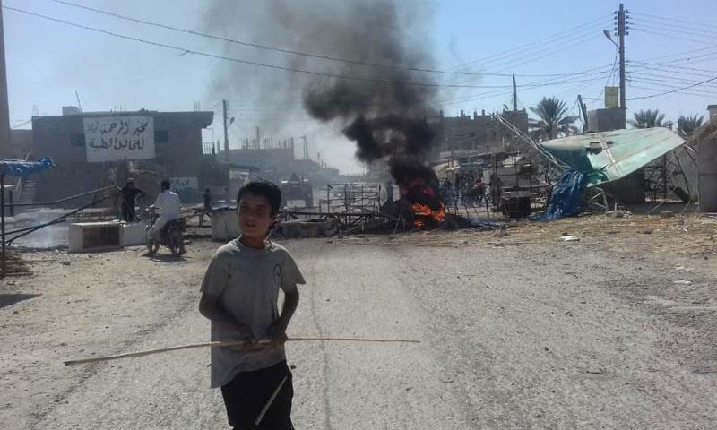 قسد تفرض حظر تجوال في قرية سويدان جزيرة وتطلق الرصاص على الاهالي 24 أيلول 2018 (فرات بوست)