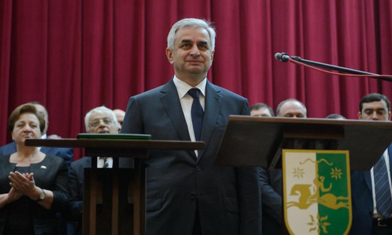 رئيس أبخازيا راؤول خادجيمبا (ريا نوفوستي)