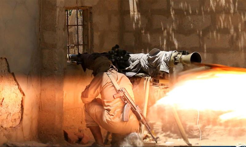 مقاتل في تنظيم الدولة في أثناء العمليات العسكرية في جيب هجين شرق الفرات - أيلول 2018 (أعماق)