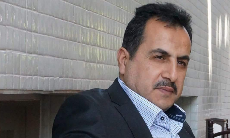 المحامي ياسر السليم أبرز نشطاء الحراك السلمي في كفرنبل بريف إدلب - (فيس بوك)