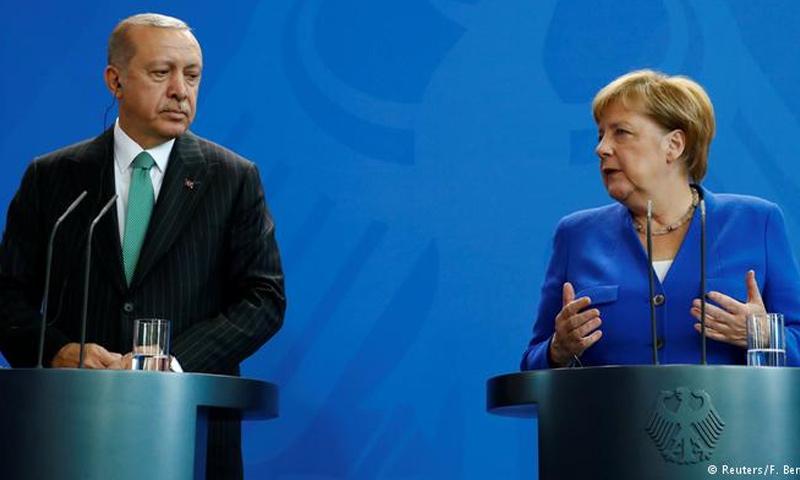 الرئيس التركي رجب طيب أردوغان والمستشارة الألمانية أنجيلا ميركل في برلين- 28 أيلول 2018 (رويترز)
