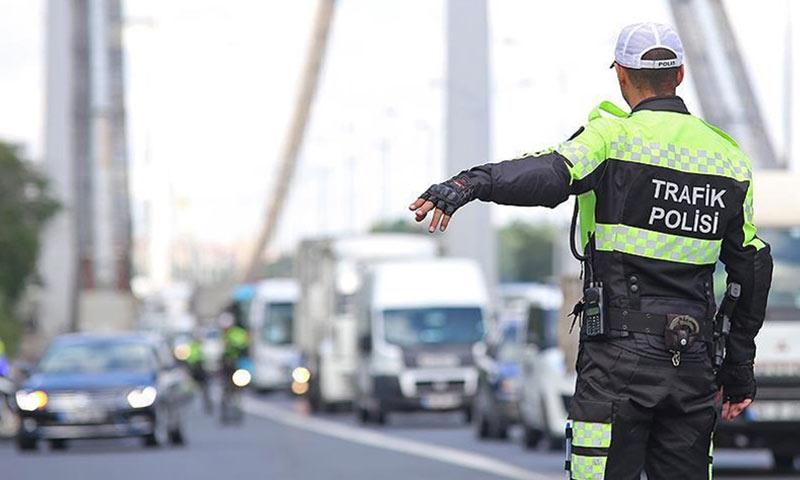شرطة مرور في مدينة اسطنبول التركية (haber20denizli.com)