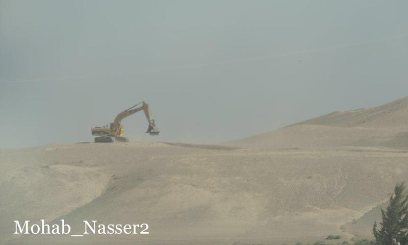 قوات فرنسية وأمريكية تنقب عن الآثار في ريف الرقة الغربي - 3 من أيلول 2018 (مهاب ناصر)