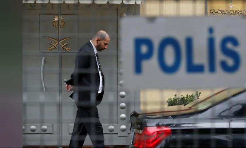 بوابة القنصلية السعودية في اسطنبول - 18 من تشرين الأول 2018 (رويترز)
