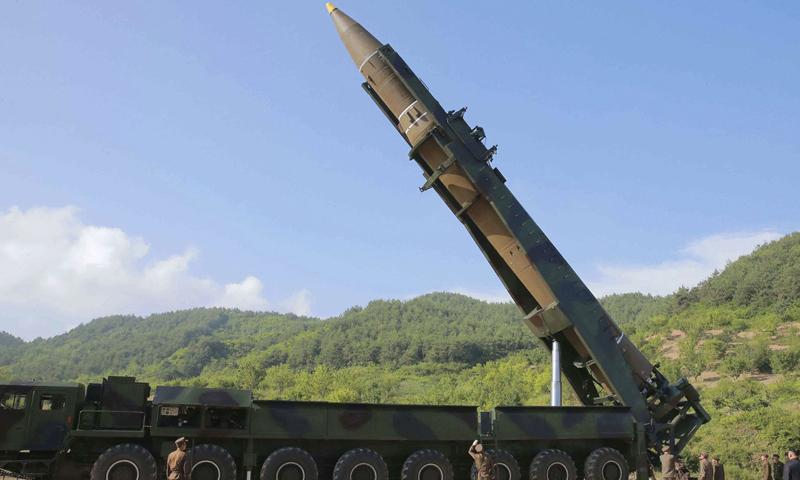 الولايات المتحدة تلمح بالانسحاب من معاهدة الأسلحة النووية-تعبيرية (AP)