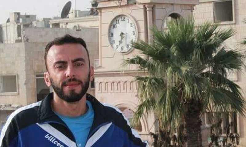 الإعلامي أحمد غنجر في إدلب )صفحته في فيس بوك)