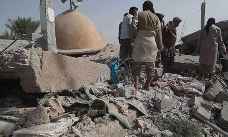 قصف بغارات لطيرن التحالف الدولي استهدف مسجد عثمان بن عفان ببلدة السوسة شرقي دير الزور 19 تشرين أول 2018 (ناشطون في تويتر)