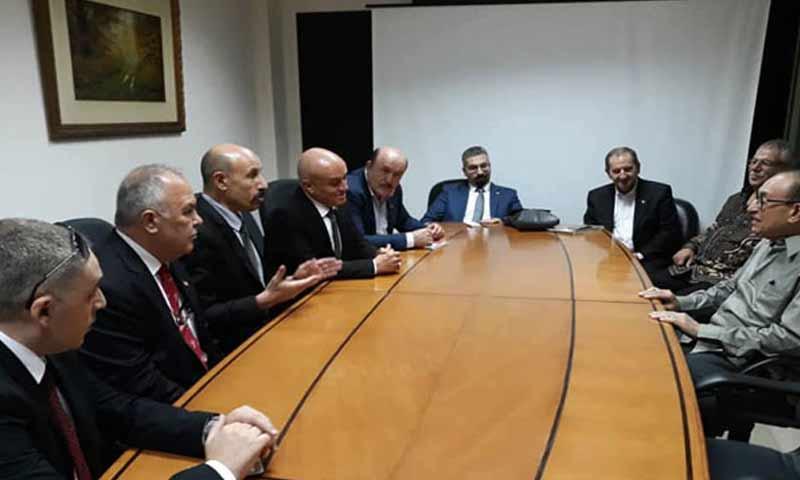 وفد غرفة التجارة السوريةأثناء توقيع مذكرة تفاهم مع غرفة التجارة والصناعة الإندونيسية 28 تشرين أول 2018 (سانا)