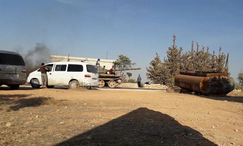 عناصر وآليات للزنكي في أثناء المواجهات مع تحرير الشام غربي حلب - 6 من تشرين الأول 2018 (فيس بوك)