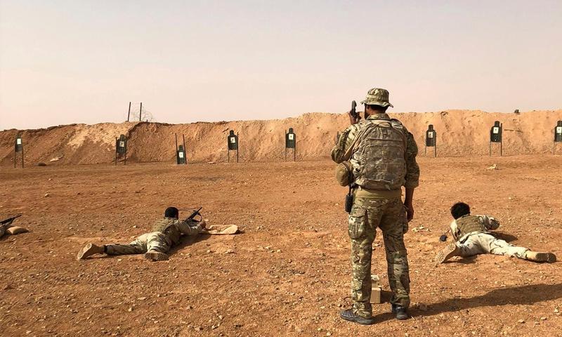 تدريبات في قاعدة التنف لعناصر من جيش مغاوير الثورة - 22 من تشرين الأول 2018 (AP)