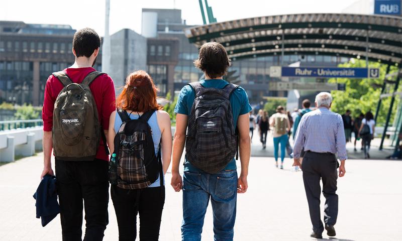 طلاب في جامعة بوخوم الألمانية (RUB)