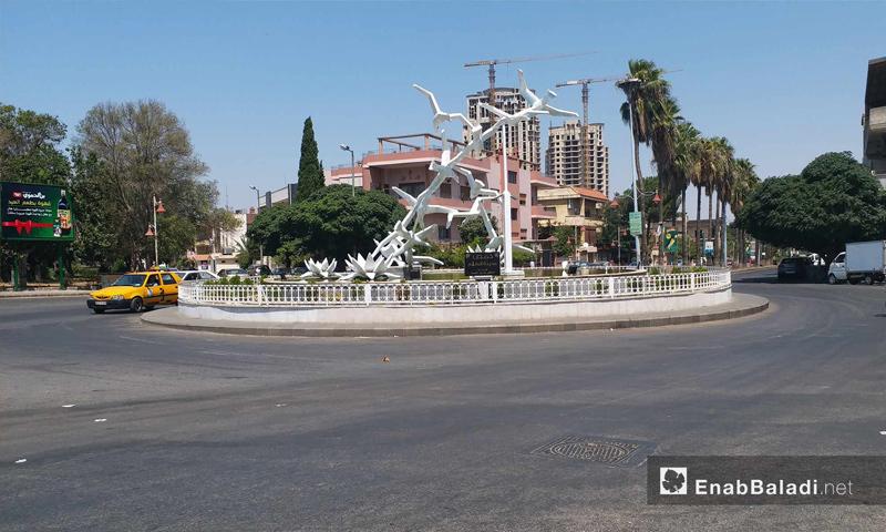 دوار الحمرا وسط مدينة حمص – 19 من آب 2018 (عنب بلدي)